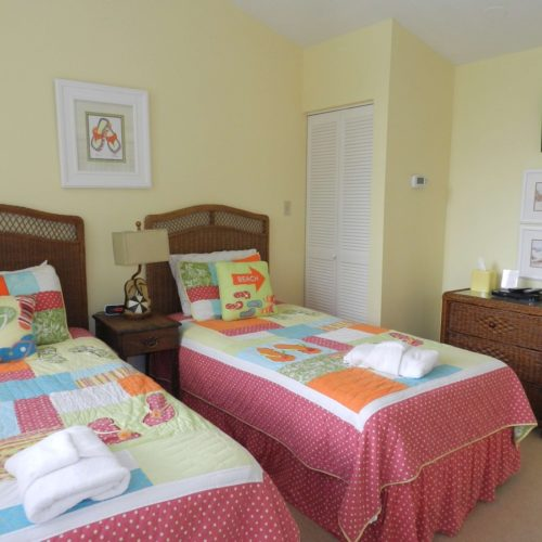 Upstairs Flip Flop theme, twin beds, TV DVD